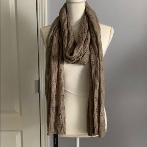 NWT Tahari Taupe Oversized Pointelle Scarf